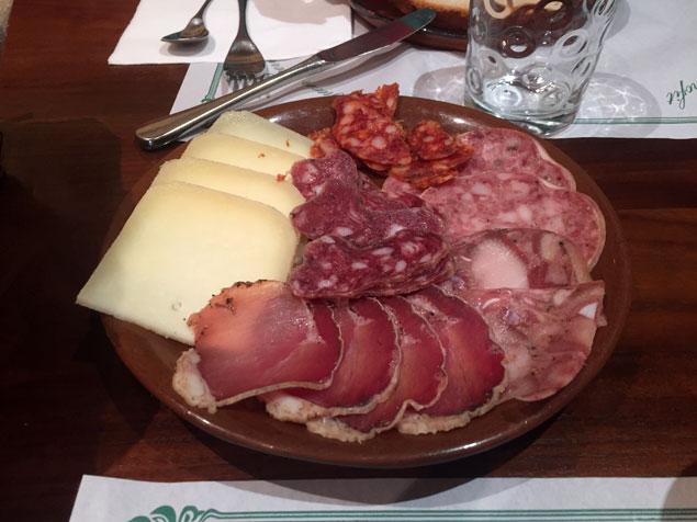 Gastronomía de la zona en Casa Etxalde