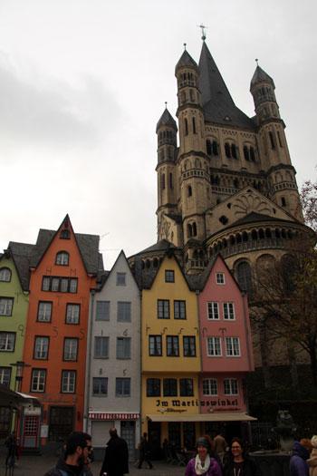 Gross St Martin , una iglesia llena de color!