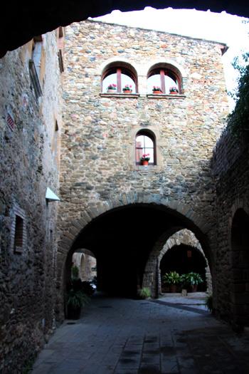 Joya medieval en el Baix Empordà