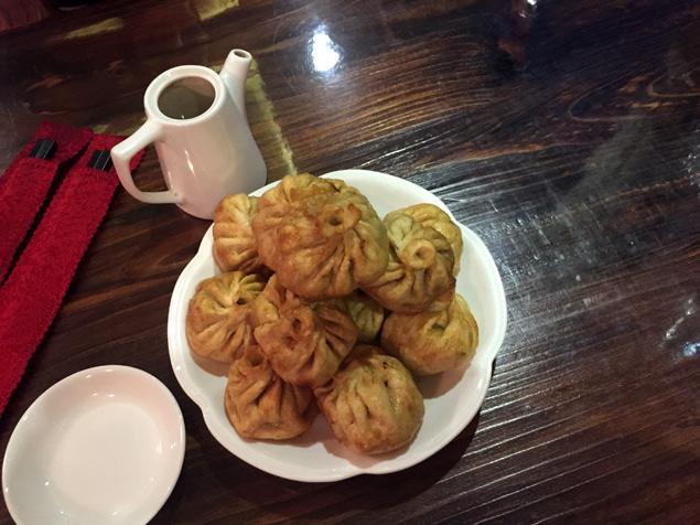 Gastronomía tibetana (momos de carne de yak)