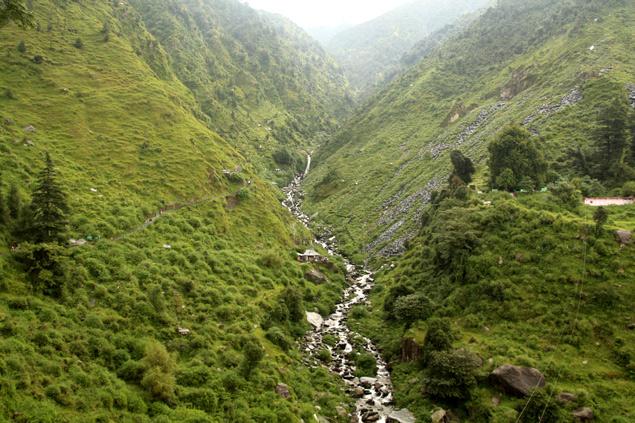Cascada de Banghu cerca de Dharamsala