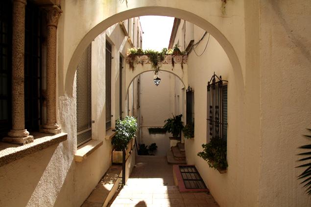 Calles y arcos del roc de Sant Gaietà