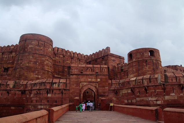Puerta de Amar Singh , l a mas espectacular del fuerte de Agra