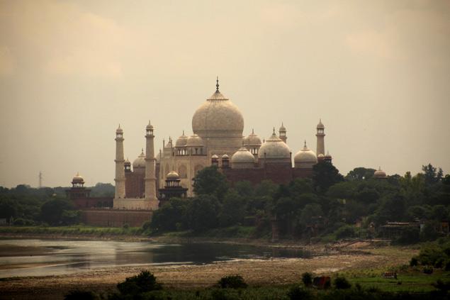 El Taj Mahal desde el Fuerte de Agra