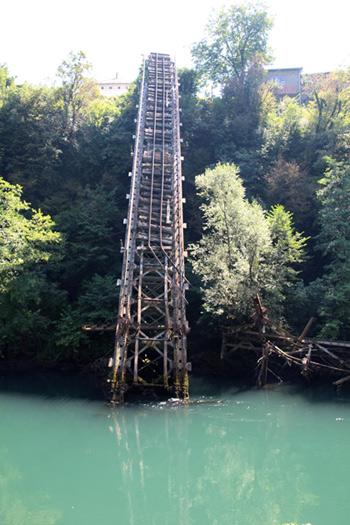 Puente derribado