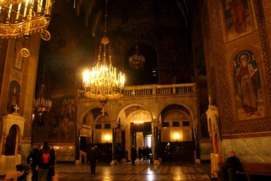 Interior de Alexander Nevski Catedral