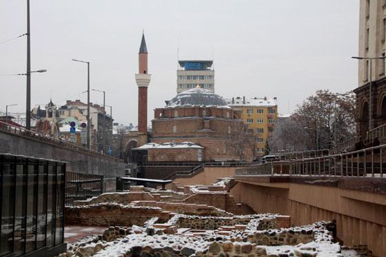 Mezquita Banya Bashi , desde las ruinas del Hamman