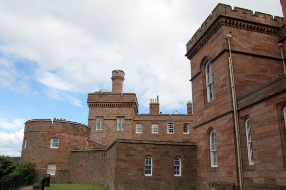 Emblema local , repleto de historia (Castillo de Inverness)