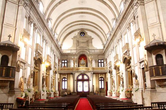 Interior de la Iglesia de Trindade