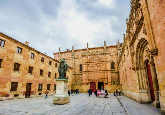 Famosa Universidad de Salamanca. La universidad más antigua de España y una de las más antiguas de Europa