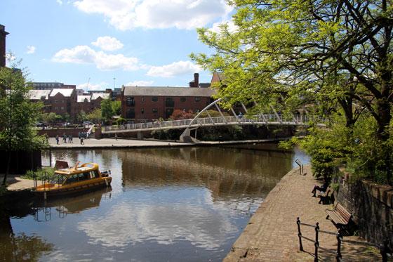 Puente inspirado en la obra de Calatrava de Ripoll.