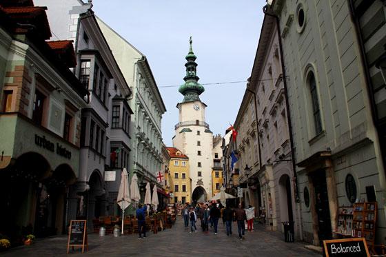Puerta de San Miguel en Bratislava (Ruta por Austria)