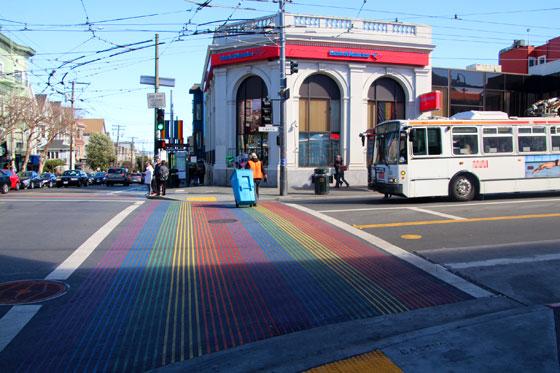 Paso de peatones Arco Iris en el barrio Castro