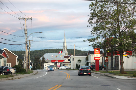 Calle principal de Sacre Coeur (Ruta por Canadá)