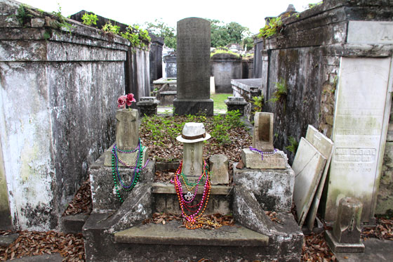 Cementerio Lafayette n 1 en garden District , en pleno Mardi Gras