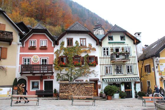 Marktplatz en Hallstatt , con sus casas del siglo XVI