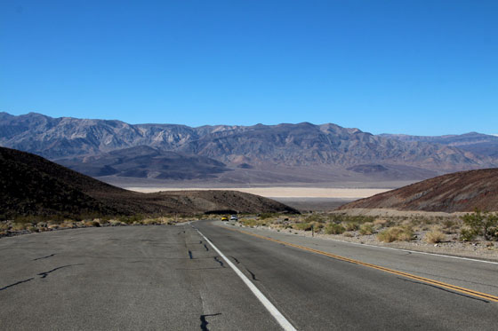 Las infinitas carreteras del Death Valley