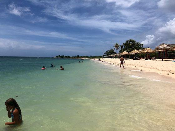 La playa de Trinidad!! (Playa Ancón)