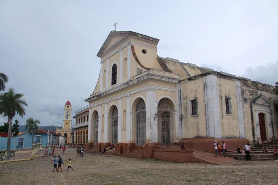 Iglesia de la Santísima Trinidad , situada en la plaza mayor