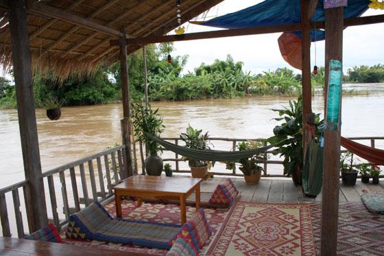 Que ver y hacer en Si Phan Don (Hamacas junto al río)