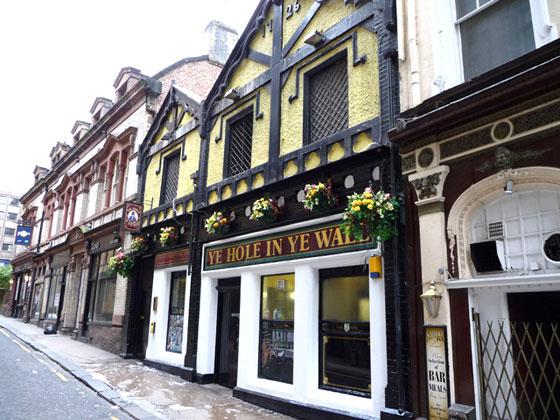 Donde beber en Liverpool?? por ejemplo aquí!!