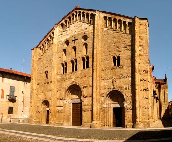 Basílica de San Miguel .... Imagen de wikipedia