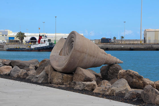 Caracola en el paseo marítimo de la capital de Fuerteventura