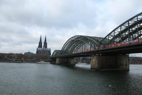Que ver en Colonia ... Hohenzoller bridge