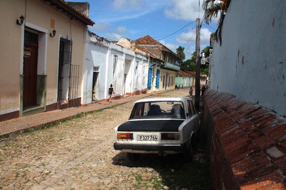 que ver y hacer en Trinidad ... Cuidado donde aparcamos!