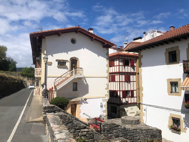 Preciosa casa junto a las murallas