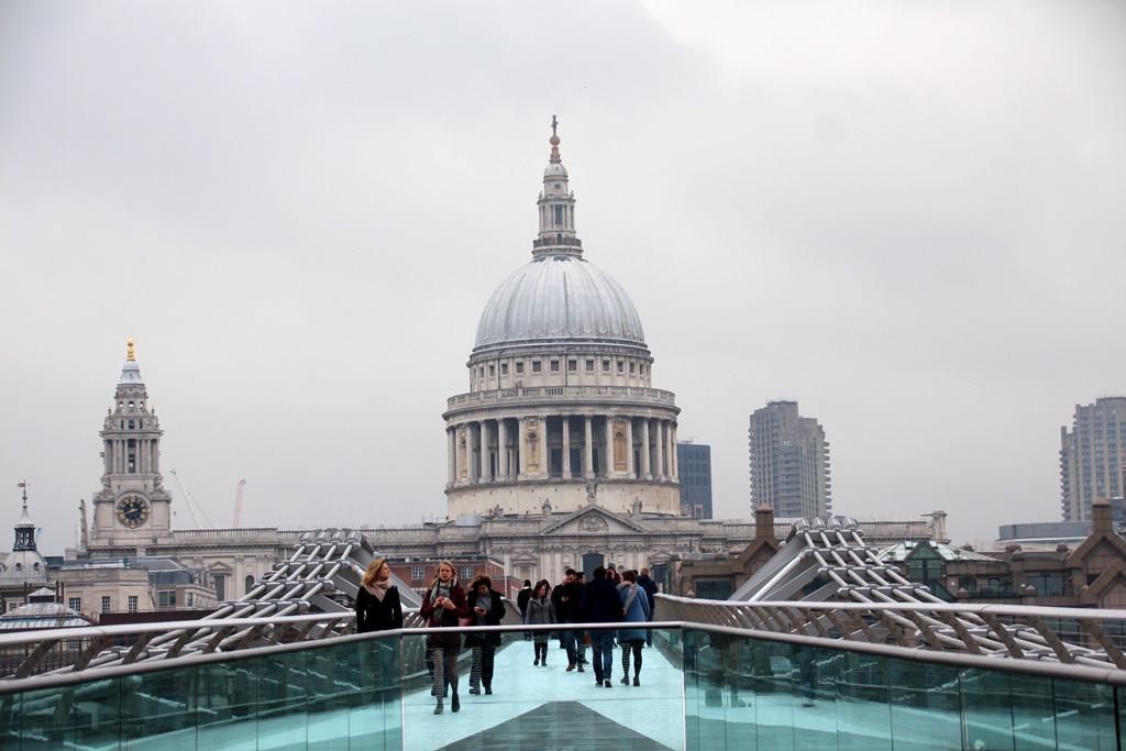 Puente Millennium de Londres , St Paul's Cathedral