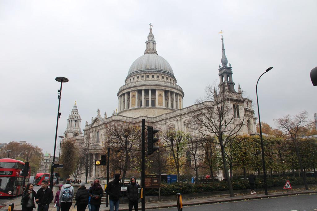 Fachada de la catedral de San Pablo de Londres , St Paul's Cathedral
